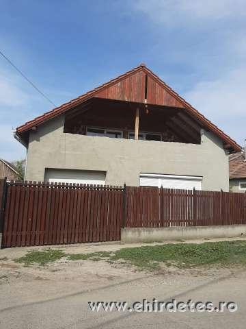 2010ben épült ház eladó Kaplonyban 500 négyzetméter telek