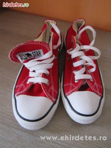 39es új eredeti converse cipő - ruha 2364272c2c