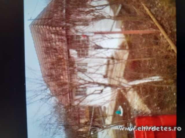 Elado kishetvegi haz Marosobron Radnot kozssegben kivalo  halaszati le