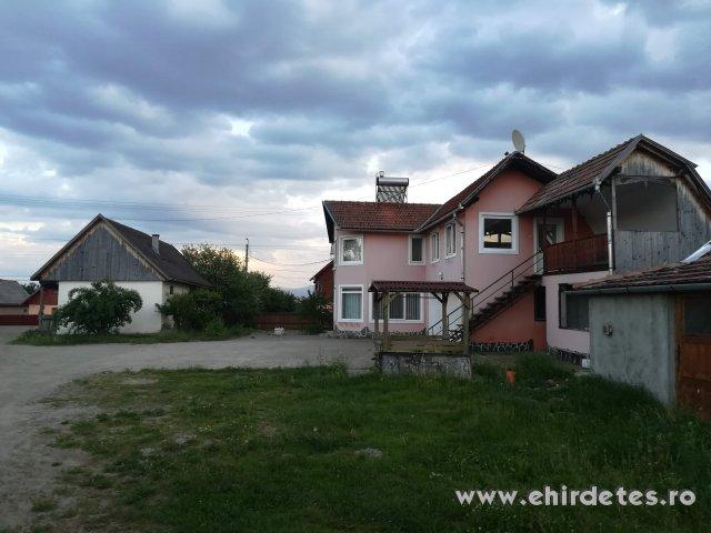 Eladó lakás 3 hektár földterületten