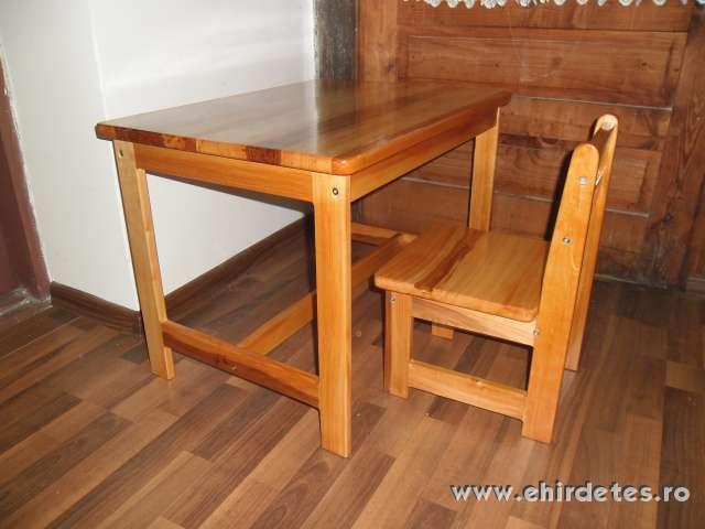 Fa szekek es asztalok kisgyerekeknek