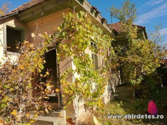 Ház eladó Simenfalván