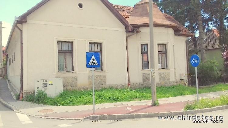 Kertes csaladi ház Csíkszeredában