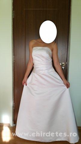 Menyasszonyi ruha - ruha 6d691ba00e