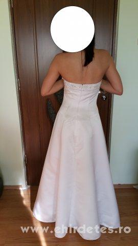 Menyasszonyi ruha Menyasszonyi ruha Menyasszonyi ruha ... a4b6da12a3